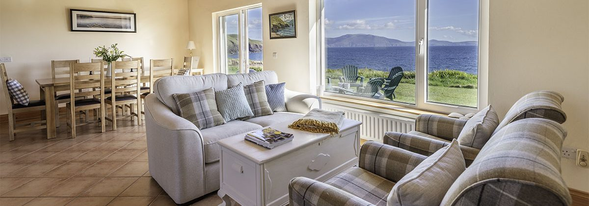 Exclusive holiday rentals Kerry - Living and diner with sea view