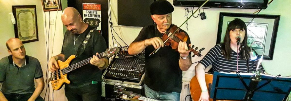 Exclusive holiday houses on the Wild Atlantic Way - Music band