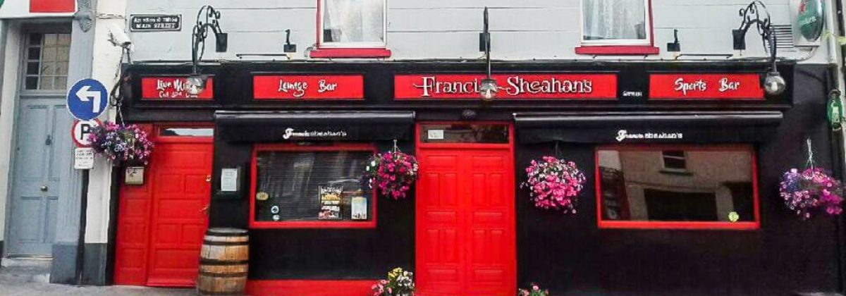 Exclusive holiday houses Kerry - Pub exterior