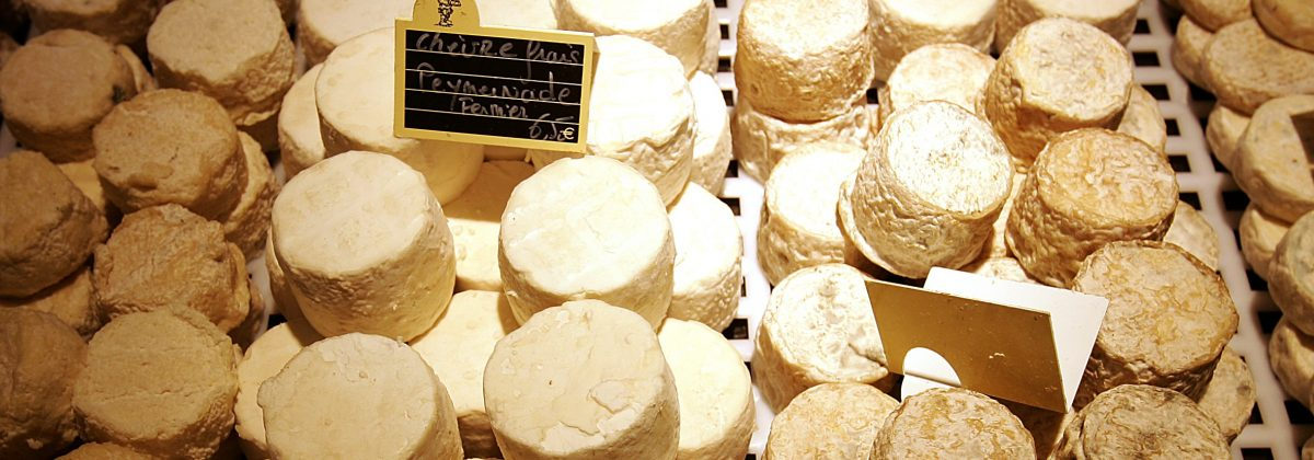Exclusive holiday lets on the French Rivera - Cheese market