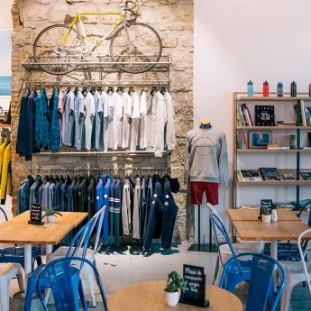 Boutique apartment in Nice - Inside Cafe and Cycling wear shop